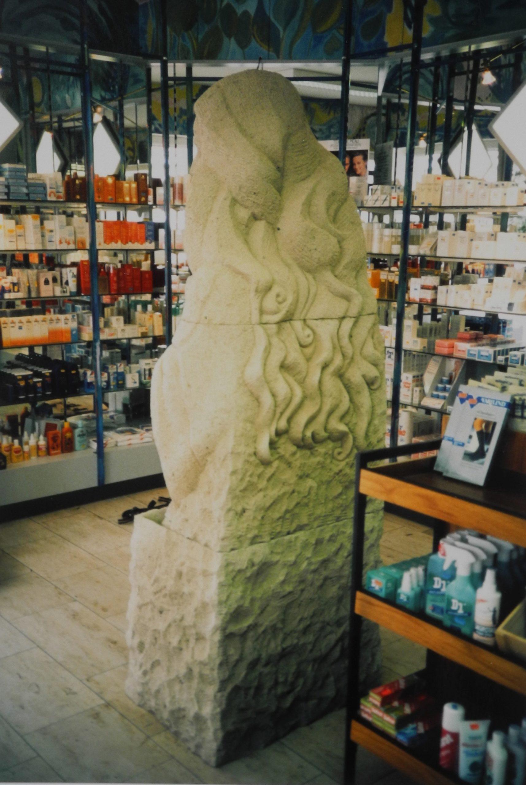 Marienfigur, Neersen, Tuffstein, Höhe 205 cm, 1991