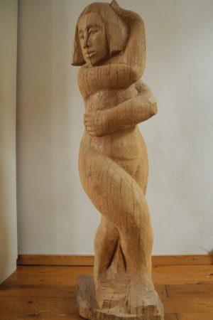 Frau tanzend, Eiche, Höhe 140 cm, 2012